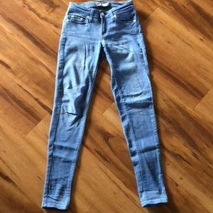 Levi's light blue denim size 25W 30L skinny jean